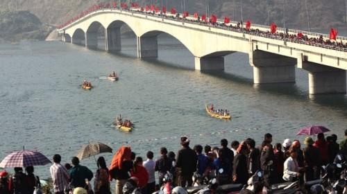 เทศกาลวสันต์ฤดูบาเบ๋และเทศกาลแข่งเรือพื้นเมือง - ảnh 2
