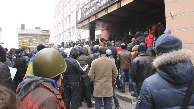 รัฐบาลยูเครนและฝ่ายค้านบรรลุข้อตกลงหยุดยิง - ảnh 1
