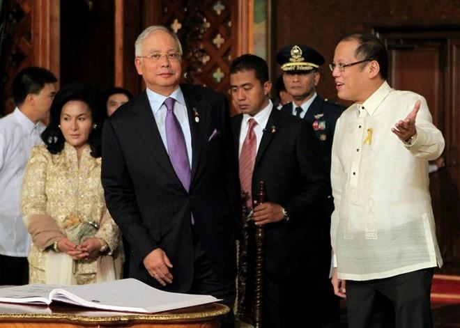 ประธานาธิบดีฟิลิปปินส์เยือนมาเลเซียอย่างเป็นทางการ - ảnh 1