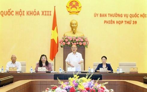 คณะกรรมาธิการสามัญแห่งรัฐสภาหารือผลการประชุมครั้งที่ 9 รัฐสภาเวียดนามสมัยที่ 13 - ảnh 1