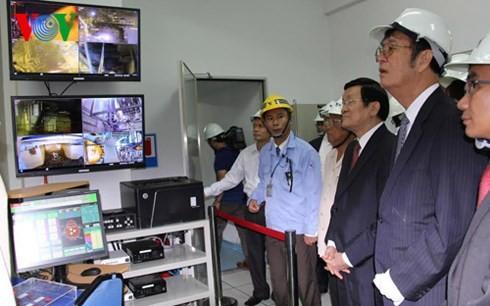 ประธานประเทศเข้าร่วมพิธีเปิดตัวโครงการขยายของบริษัทเหล็ก Vina Kyoei - ảnh 1