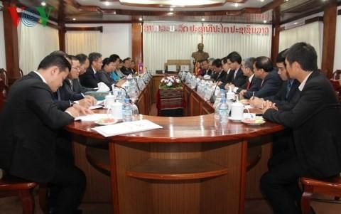 คณะกรรมการวิเทศสัมพันธ์ส่วนกลางเวียดนามและลาวประสานงานกัน - ảnh 1