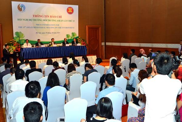 การประชุมรัฐมนตรีสิ่งแวดล้อมอาเซียนครั้งที่ 13 ประสบความสำเร็จ - ảnh 1