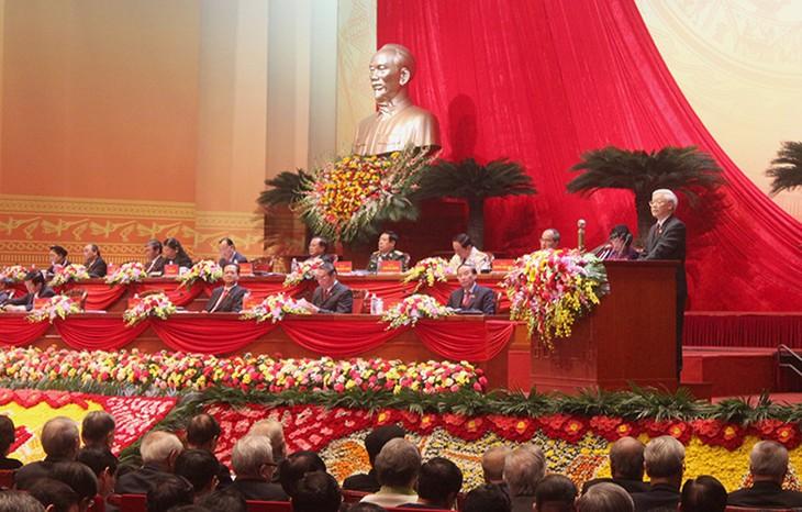 พิธีเปิดการประชุมสมัชชาใหญ่พรรคคอมมิวนิสต์เวียดนามสมัยที่ 12 - ảnh 2