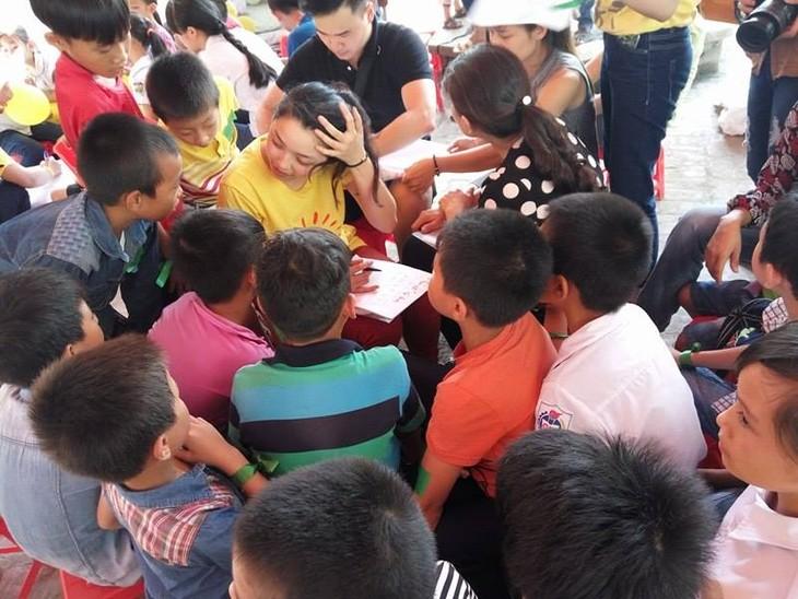 ร่วมให้การช่วยเหลือเด็กที่ติดเชื้อ HIV ปรับตัวเข้ากับชุมชน - ảnh 2
