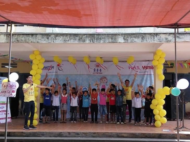 ร่วมให้การช่วยเหลือเด็กที่ติดเชื้อ HIV ปรับตัวเข้ากับชุมชน - ảnh 1