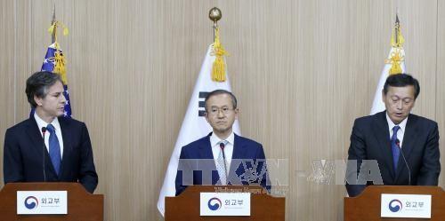 สาธารณรัฐเกาหลี สหรัฐและญี่ปุ่นเห็นพ้องขยายความร่วมมือเพื่อปลอดนิเคลียร์ - ảnh 1