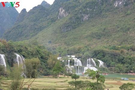 น้ำตกบ๋านโยก น้ำตกธรรมชาติที่ใหญ่ที่สุดในเอเชียตะวันออกเฉียงใต้ - ảnh 1