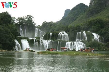 น้ำตกบ๋านโยก น้ำตกธรรมชาติที่ใหญ่ที่สุดในเอเชียตะวันออกเฉียงใต้ - ảnh 2