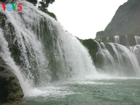 น้ำตกบ๋านโยก น้ำตกธรรมชาติที่ใหญ่ที่สุดในเอเชียตะวันออกเฉียงใต้ - ảnh 4