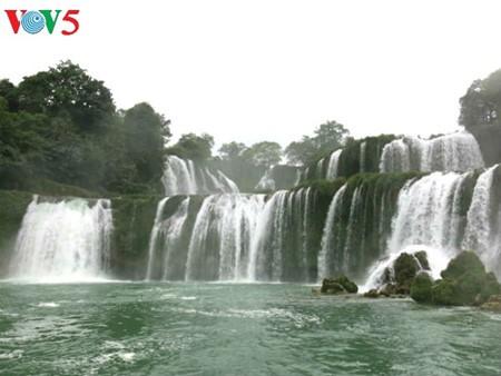 น้ำตกบ๋านโยก น้ำตกธรรมชาติที่ใหญ่ที่สุดในเอเชียตะวันออกเฉียงใต้ - ảnh 5
