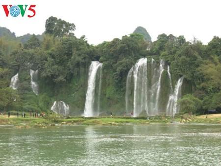 น้ำตกบ๋านโยก น้ำตกธรรมชาติที่ใหญ่ที่สุดในเอเชียตะวันออกเฉียงใต้ - ảnh 9