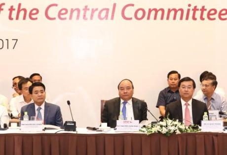ปฏิบัติแนวทางรัฐบาลเดินพร้อมกับเศรษฐกิจภาคเอกชนตามมติของการประชุมครั้งที่5คณะกรรมการกลางพรรค - ảnh 1