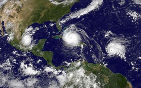 พายุ Irma อ่อนกำลังลงแต่ยังคงน่ากังวล - ảnh 1