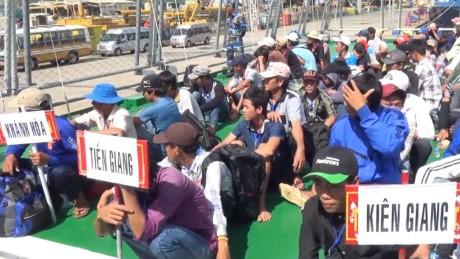 จังหวัดบ่าเหรียะ หวุงเต่ารับชาวประมง 239 คนที่ถูกส่งกลับโดยอินโดนีเซีย - ảnh 1