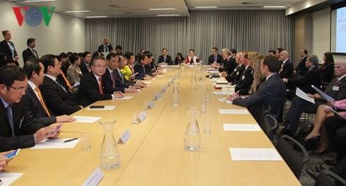 ประธานสภาแห่งชาติเวียดนามเข้าร่วมการสนทนาสถานประกอบการเวียดนาม – ออสเตรเลีย - ảnh 1