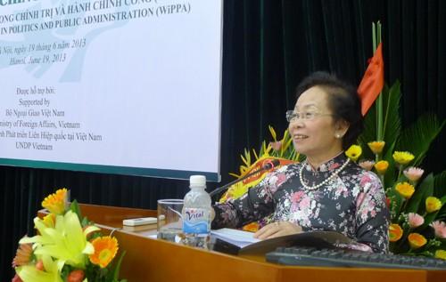 พิธีเปิดตัวศูนย์สตรีด้านการเมืองและรัฐศาสตร์หรือWiPPA - ảnh 1