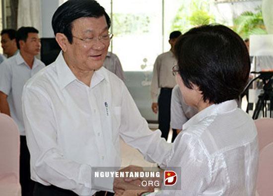 ประธานประเทศเวียดนามเจืองเติ้นซางพบปะกับผู้มีสิทธิ์เลือกตั้งนครโฮจิมินห์ - ảnh 1