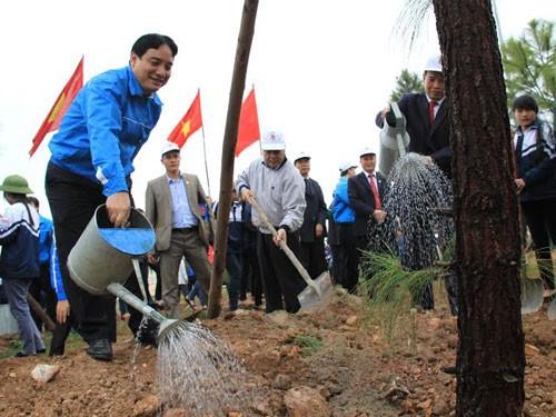 กองเยาวชนคอมมิวนิสต์โฮจิมินห์เปิดการรณรงค์ตรุษเต๊ตปลูกต้นไม้และอนุรักษ์สิ่งแวดล้อม - ảnh 1