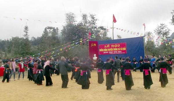 เทศกาลแรกนากขวัญ เป็นเอกลักษณ์วัฒนธรรมของชนเผ่าต่างๆ - ảnh 1