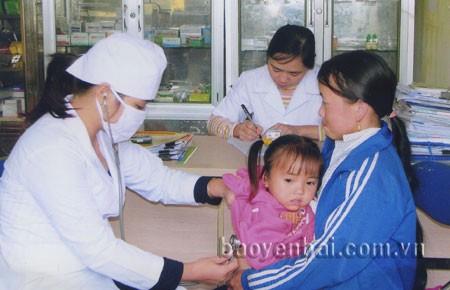 พิธีส่งแพทย์รุ่นใหม่ไปปฏิบัติงานที่เขตเขาและเขตธทุรกันดารห่างไกลความเจริญ - ảnh 1