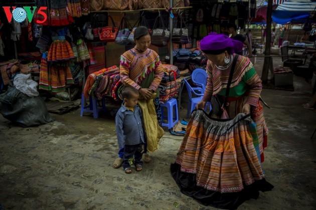 Chợ phiên Bắc Hà, những sắc màu văn hóa vùng cao - ảnh 14