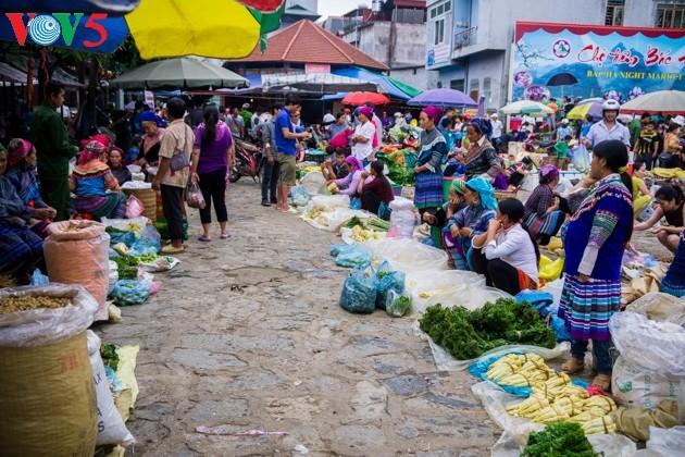Chợ phiên Bắc Hà, những sắc màu văn hóa vùng cao - ảnh 4