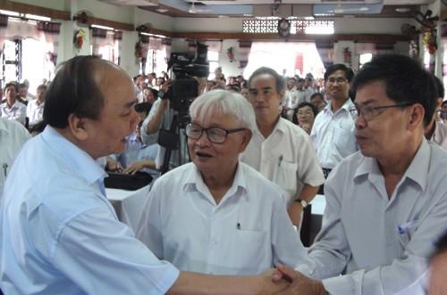 Lãnh đạo Đảng, Nhà nước tiếp xúc cử tri tại các địa phương - ảnh 1