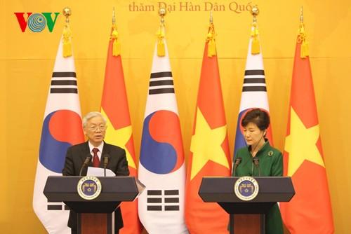 Tổng thống Hàn Quốc Park Geun Hye mở tiệc chiêu đãi trọng thể Tổng Bí thư Nguyễn Phú Trọng - ảnh 1