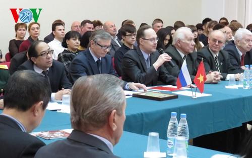 Sôi nổi các hoạt động kỷ niệm 65 năm thiết lập quan hệ ngoại giao Việt Nam-LB Nga  - ảnh 1