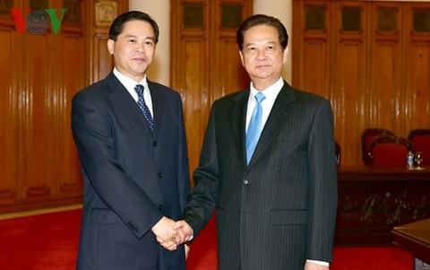 Thủ tướng Nguyễn Tấn Dũng tiếp tỉnh trưởng tỉnh Vân Nam, Trung Quốc - ảnh 1