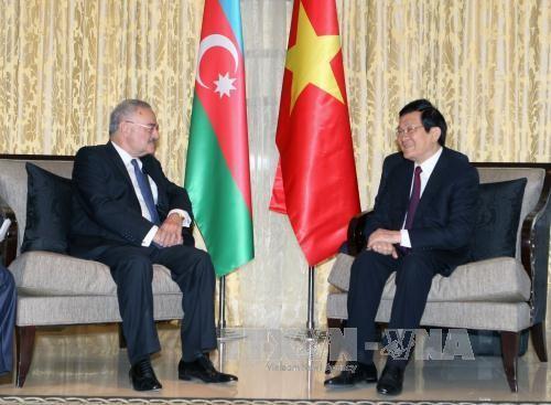 Chủ tịch nước Trương Tấn Sang gặp Thủ tướng Azerbaijan Artur Rasizade - ảnh 1