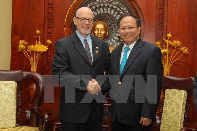 Lãnh đạo Thành phố Hồ Chí Minh tiếp Chủ tịch Đảng Cộng sản Hoa Kỳ  - ảnh 1