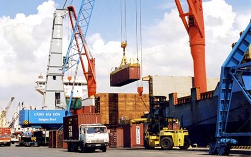 Kinh tế Việt Nam vẫn sẽ tăng trưởng tích cực trong năm 2016 - ảnh 1