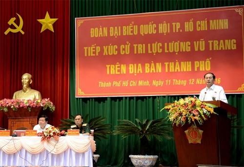 Chủ tịch nước Trần Đại Quang tiếp xúc cử tri lực lượng vũ trang thành phố Hồ Chí Minh - ảnh 1