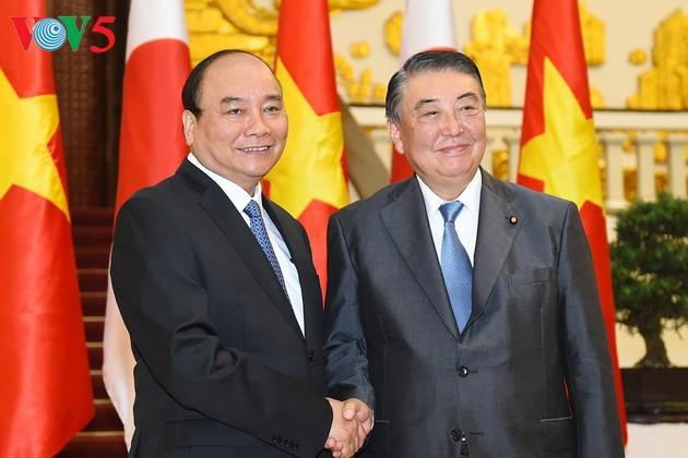 Thủ tướng Nguyễn Xuân Phúc tiếp Chủ tịch Hạ viện Nhật Bản - ảnh 1