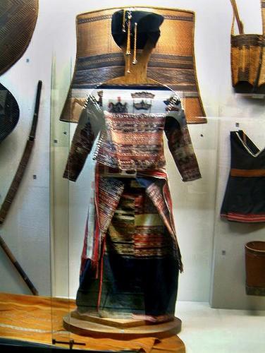 Trang phục của đồng bào dân tộc Xơ Đăng - ảnh 1