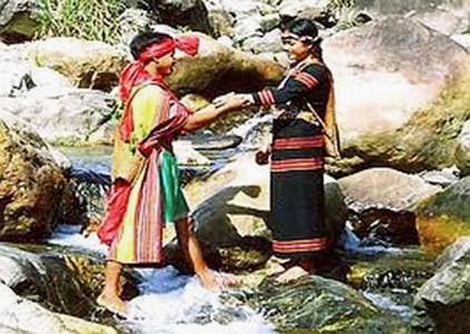 Trang phục của đồng bào dân tộc Xơ Đăng - ảnh 2