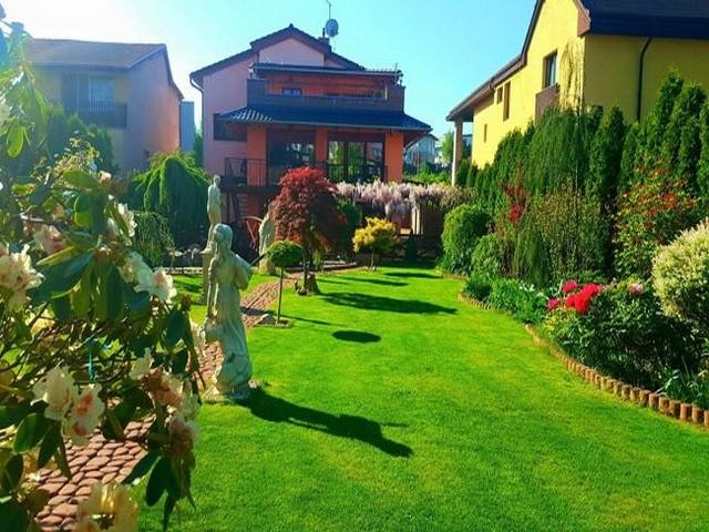 Vườn hoa tuyệt đẹp của người Việt tại Praha - ảnh 5