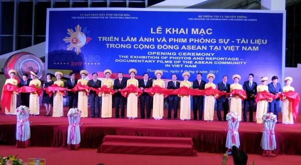 Triển lãm Ảnh và Phim phóng sự - Tài liệu trong Cộng đồng ASEAN tại Việt Nam - ảnh 1