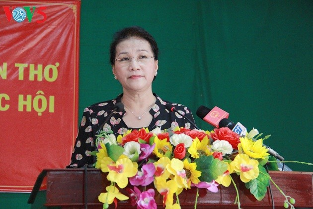 Chủ tịch Quốc hội Nguyễn Thị Kim Ngân tiếp xúc cử tri tại Cần Thơ - ảnh 3