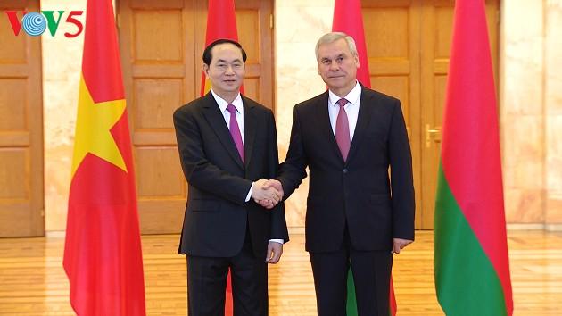 Chủ tịch nước Trần Đại Quang hội kiến với Chủ tịch Viện Đại biểu Quốc hội Belarus; Thủ tướng Belarus - ảnh 1