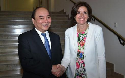 Thủ tướng Nguyễn Xuân Phúc gặp gỡ, làm việc với Lãnh đạo Bang Rheinland-Pfalz - ảnh 1