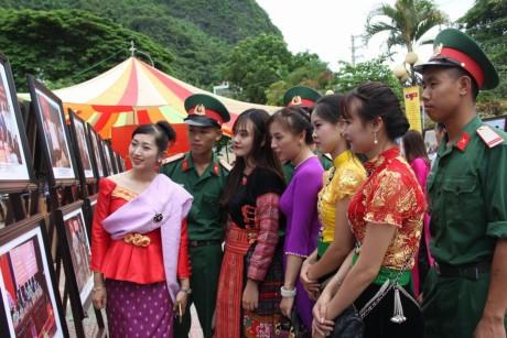 """Khai mạc """"Ngày hội giao lưu văn hóa, thể thao và du lịch vùng biên giới Việt Nam-  Lào"""" - ảnh 3"""