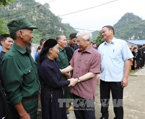 Tổng Bí thư Nguyễn Phú Trọng thăm, làm việc tại tỉnh Bắc Kạn - ảnh 2