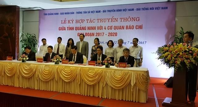 Tăng cường hợp tác truyền thông giữa tỉnh Quảng Ninh với bốn cơ quan báo chí Trung ương - ảnh 1