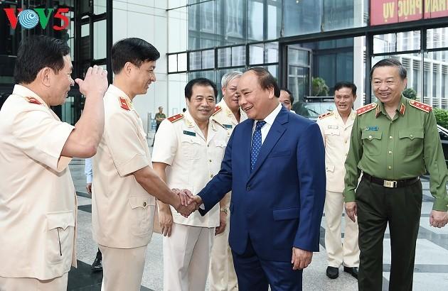 Thủ tướng Nguyễn Xuân Phúc: Xây dựng lực lượng Cảnh sát nhân dân đáp ứng yêu cầu trong tình hình mới - ảnh 1