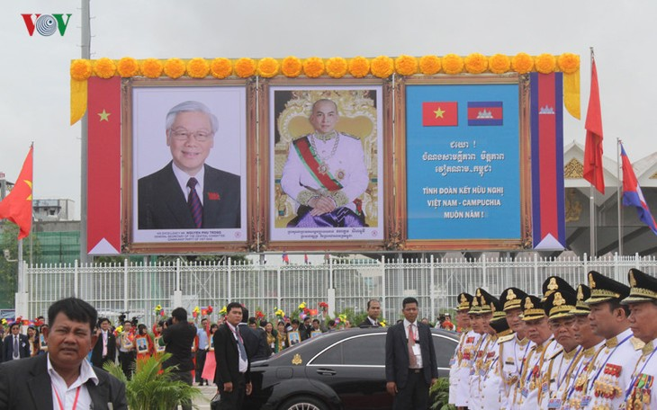 Báo chí Campuchia đưa tin đậm về chuyến thăm của Tổng Bí thư Nguyễn Phú Trọng - ảnh 1