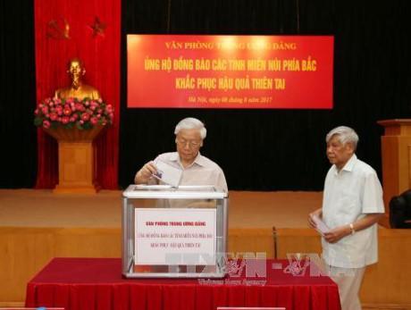 Văn phòng Trung ương Đảng quyên góp ủng hộ đồng bào các tỉnh miền núi phía Bắc - ảnh 1