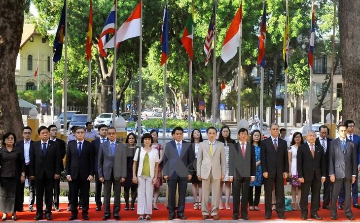 Việt Nam khẳng định thông điệp cùng xây dựng một Cộng đồng ASEAN đoàn kết, tự cường - ảnh 2